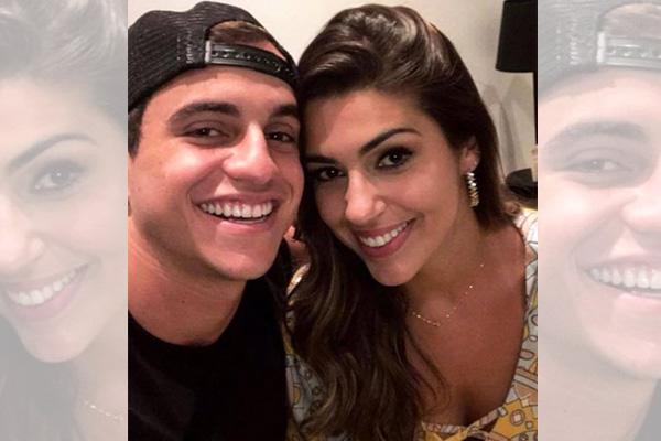 Vivian e Manoel publicam foto em clima de romance e fãs vibram