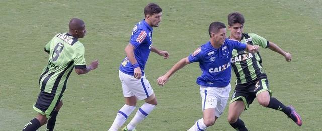 América-MG e Cruzeiro fazem jogo disputado e empatam em 1 a 1