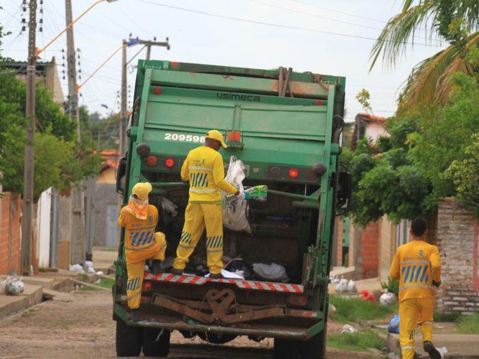 Coleta de lixo em Teresina (Crédito: Reprodução)