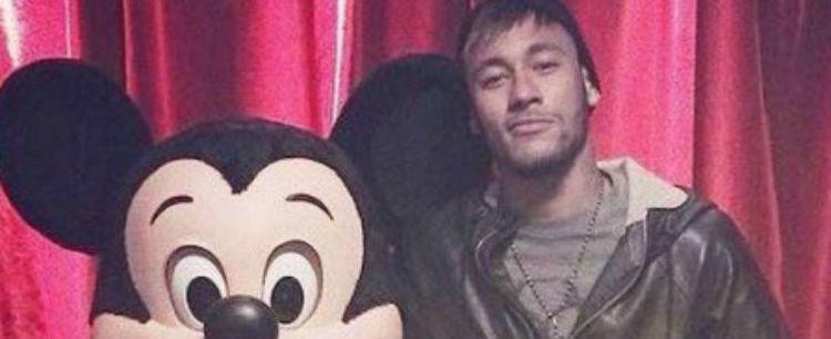 Mengo posta foto de Neymar após craque afirmar que jogaria no time