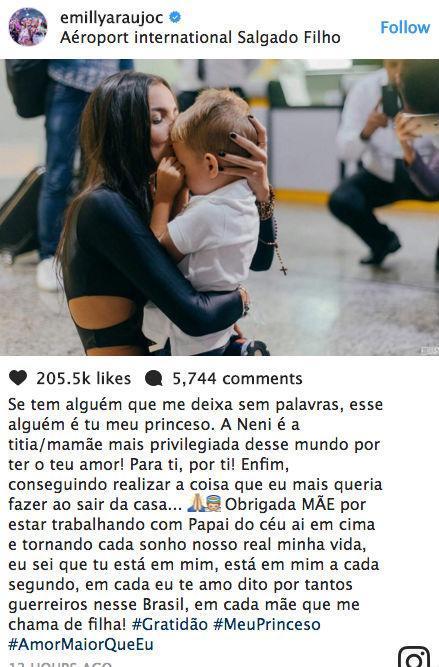Emilly Araújo é recebida por multidão em aeroporto de Porto Alegre