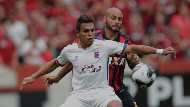Atlético-PR vence o Paraná e abre vantagem nas quartas de final