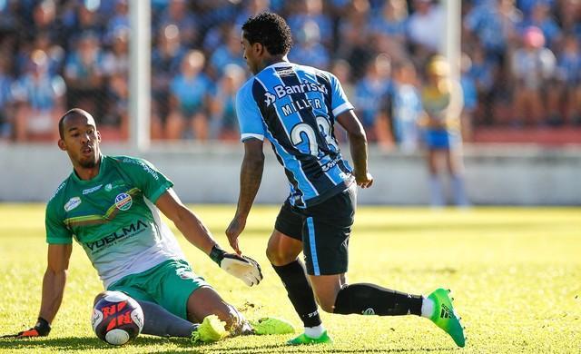 Grêmio vence o Veranópolis e larga com vantagem nas quartas