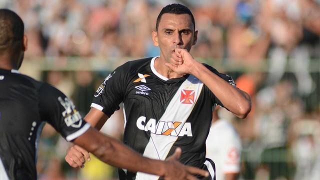 Vasco domina, vence Nova Iguaçu e encara Flamengo na Taça Rio