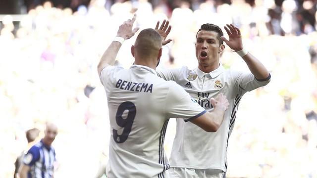 Real Madrid vence o Alavés e segue na liderança do Espanhol