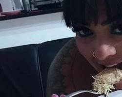 Mulher Melancia enlouquece fãs com foto supersensual 23722d89b3f5a