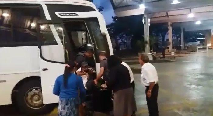 Cadeirante aciona PM após não conseguir embarcar em ônibus