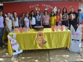 Equipe do Caps I Renascer realiza comemoração da Páscoa.