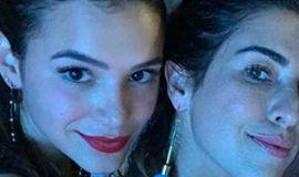 Bruna Marquezine curte noite de funk com Fernanda Paes Leme