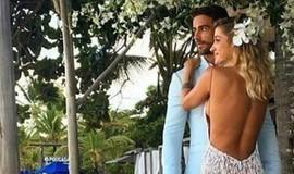 Gabriela Pugliesi se casa em Trancoso com vestido exclusivo de 38kg