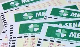 Ninguém acerta Mega-Sena e prêmio acumula em R$ 97 milhões