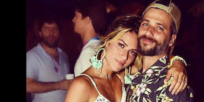 Giovanna Ewbank admite vasculhar celular de Bruno Gagliasso