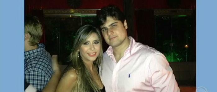 Hélio Neto ao lado da esposa, Renata Cardim (Crédito: Reprodução)