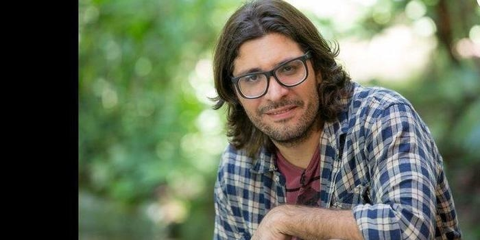 "Ex-""BBB17"" Ilmar vive romance com produtora do reality, diz jornal"