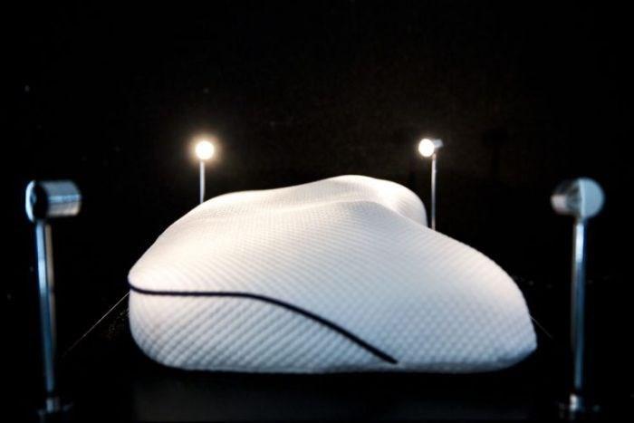 Travesseiro custa o equivalente a 6 carros populares (Crédito: Reprodução)