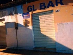 Dupla rende dono de bar e rouba R$ 200 e celular em Esperantina