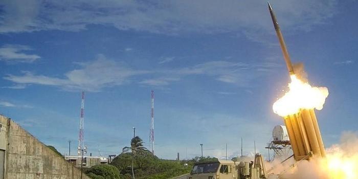 EUA começam a posicionar sistema de defesa na Coreia do Sul