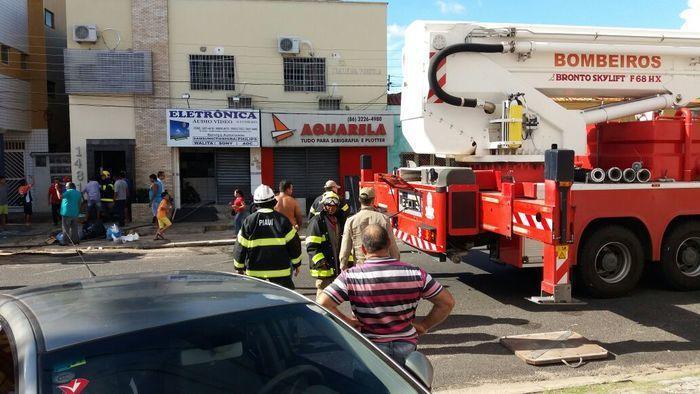 Incêndio atinge loja de produtos eletrônicos no Centro de Teresina