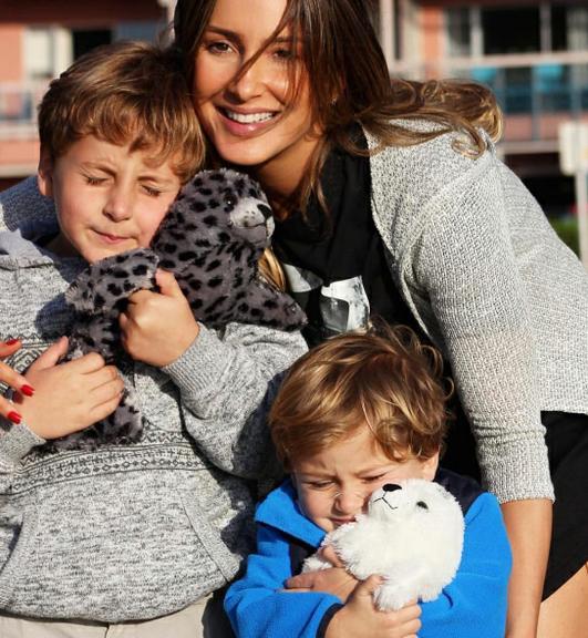 Claudia com os filhos Davi e Rafael