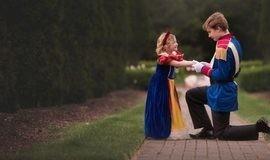 Garoto realiza sonho da irmã de 5 anos com ensaio de princesa