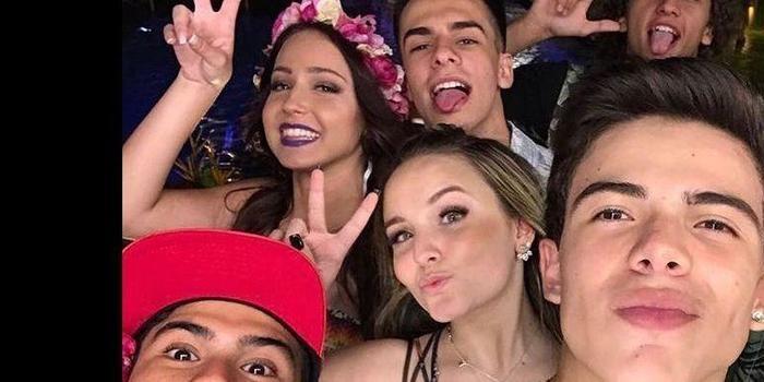 Larissa Manoela e Thomaz Costa viajam juntos, mas negam romance