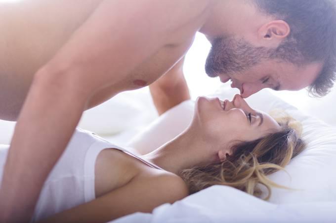 Fazer sexo regularmente aumenta a produtividade