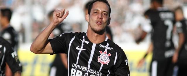 Corinthians vence o Ponte Preta e fica mais perto do título