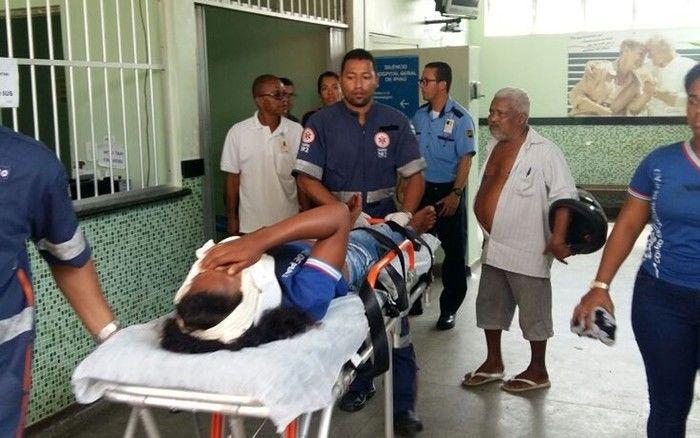 Adolescente é baleada dentro de escola por amigo de classe