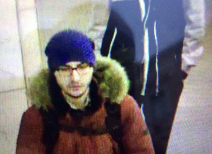 Imagem capturada de um vídeo de segurança e divulgada pela polícia mostra o suspeito Akbarzhon Jalilov