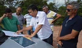 Marcos Elvas e vereadores visitam local onde será aterro Sanitário