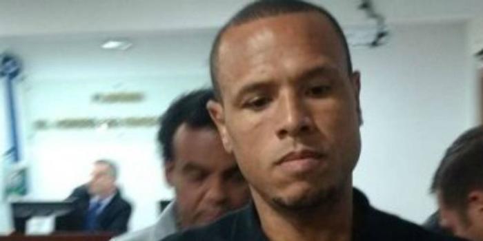 Luis Fabiano, do Vasco, pega quatro jogos de suspensão por expulsão