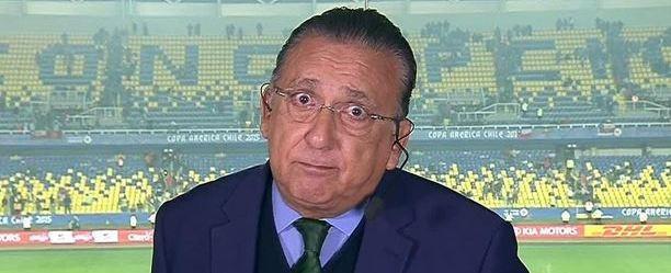 Torcida do Flamengo faz campanha para Galvão Bueno narrar jogo