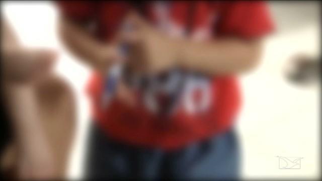 Criança de 4 anos teria sido  abusada por um adolescente (Crédito: Reprodução)