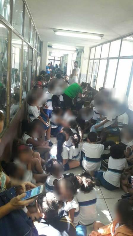 Bandidos invadem escola e alunos se abrigam em corredor