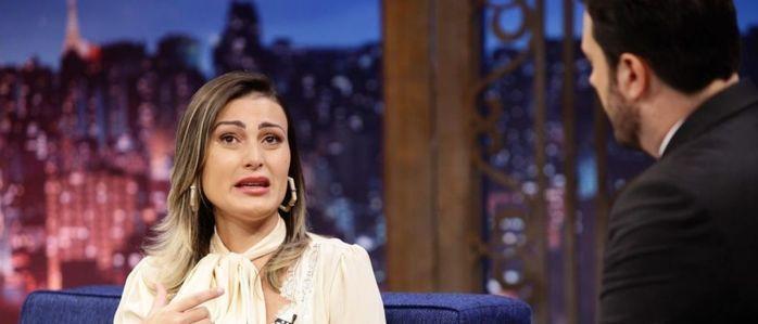 Andressa Urach em entrevista no The Noite