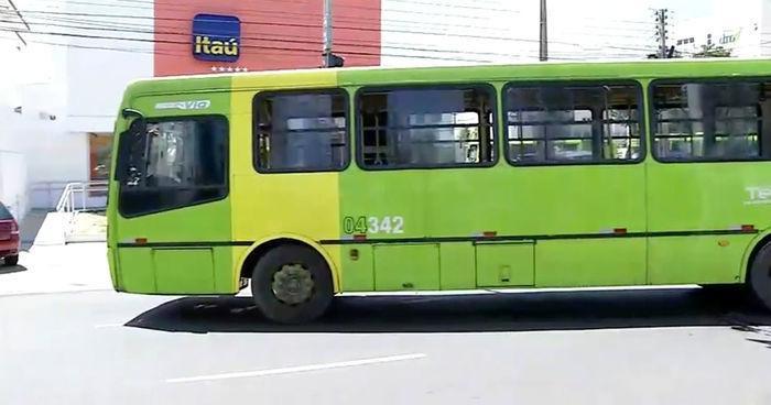 Trânsito na Frei Serafim ficou complicado após o acidente (Crédito: Reprodução)
