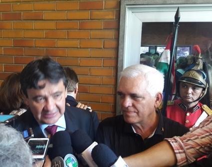 Wellington Dias ao lado do presidente da Alepi (Crédito: Divulgação)