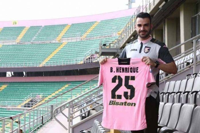 Bruno Henrique em sua chegada ao Palermo (Crédito: Reprodução)