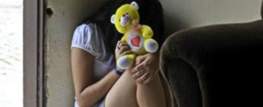 Padrasto estupra menina de 12 anos com o consentimento da mãe