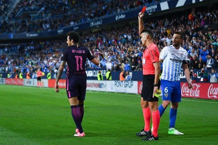 Neymar foi expulso contra o Málaga  (Crédito: Reprodução)