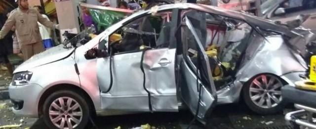 Vídeo mostra explosão de carro que matou mulher em posto