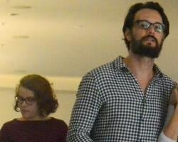 Grávida de Rodrigo Santoro, Mel Fronckowiak exibe barrigão