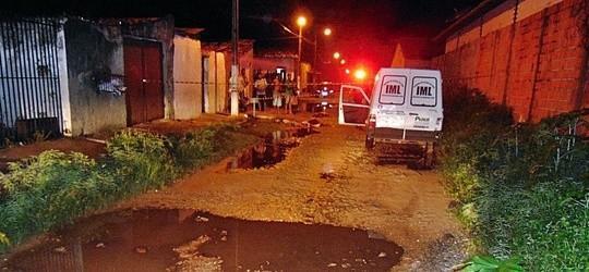 Irmãos matam rival com 13 facadas após discussão em Parnaíba