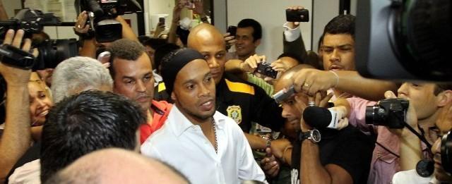 Flamengo encerra dívida com Ronaldinho Gaúcho ao saldar acordo