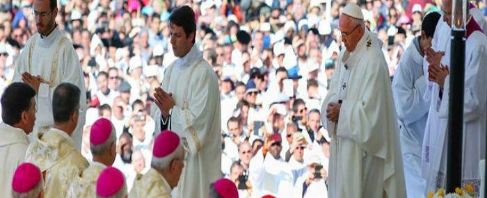 Irmãos pastorinhos de Fátima são declarados santos pelo papa