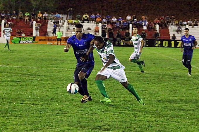 Parnahyba bem que tentou, mas foi goleado pelo Altos.  (Crédito: Renan Morais / Globo Esporte)