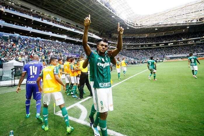 Palmeiras estreia Cuca com dois de Borja e goleada no Vasco