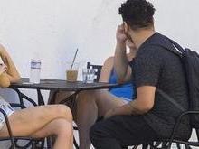 Kristen Stewart é clicada cheia de hematomas nas pernas