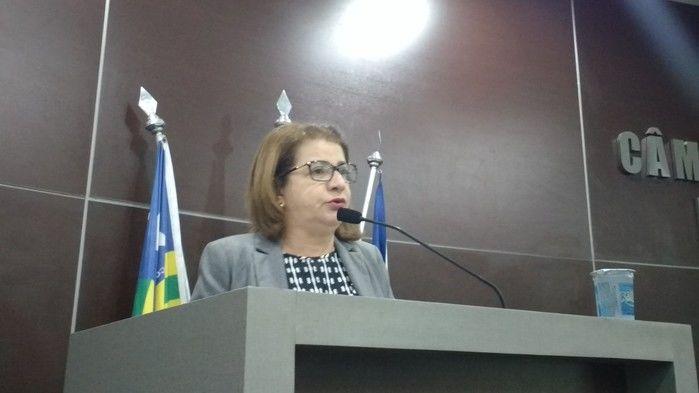 Vereadora Graça Amorim, líder do Prefeito Firmino Filho na Câmara