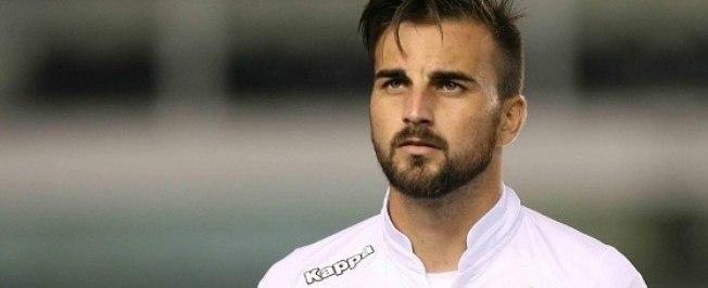 Pais de jogador do Santos morrem em acidente e atleta é dispensado